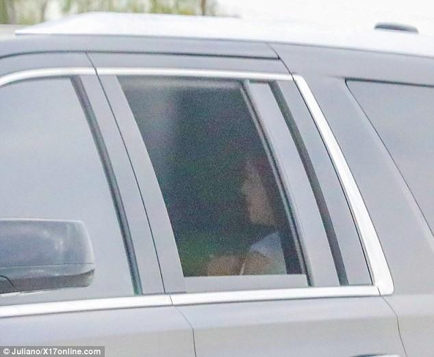 Selena Gomez đầy sức sống, đón Valentine sớm bên bạn trai Justin Bieber ảnh 3