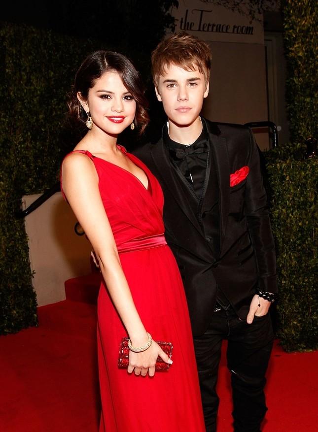Selena Gomez đầy sức sống, đón Valentine sớm bên bạn trai Justin Bieber ảnh 4