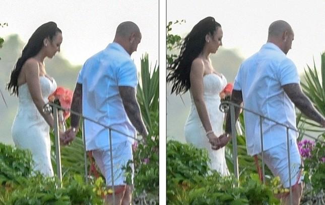 Justin Bieber ôm Selena không rời trong đám cưới cha ruột ảnh 8