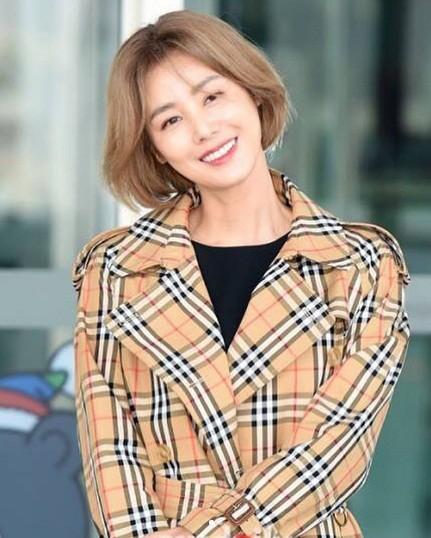 Cựu Hoa hậu Hàn Quốc 51 tuổi trẻ đẹp gợi cảm như đôi mươi ảnh 17