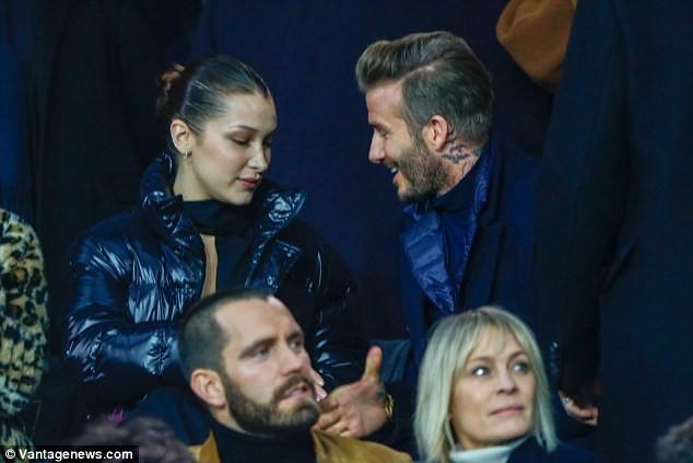 David Beckham trò chuyện thân mật cùng nàng mẫu gợi cảm Bella Hadid ảnh 2