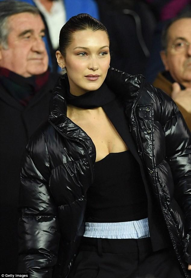 David Beckham trò chuyện thân mật cùng nàng mẫu gợi cảm Bella Hadid ảnh 10