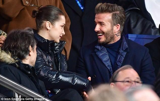 David Beckham trò chuyện thân mật cùng nàng mẫu gợi cảm Bella Hadid ảnh 1