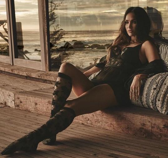 Mỹ nhân 'Transformers' Megan Fox gợi tình với nội y ren ảnh 3