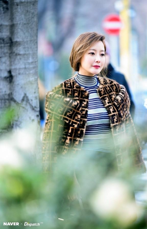 Kim Hee Sun trẻ đẹp ngỡ ngàng trên đất Ý ảnh 21