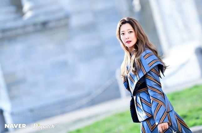 Kim Hee Sun trẻ đẹp ngỡ ngàng trên đất Ý ảnh 7
