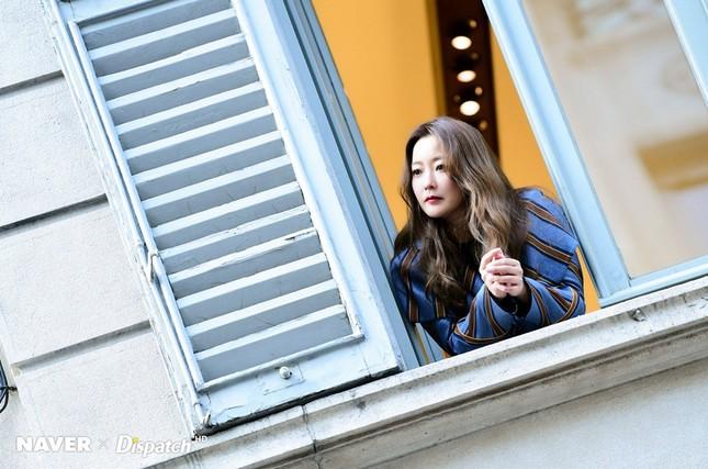 Kim Hee Sun trẻ đẹp ngỡ ngàng trên đất Ý ảnh 17