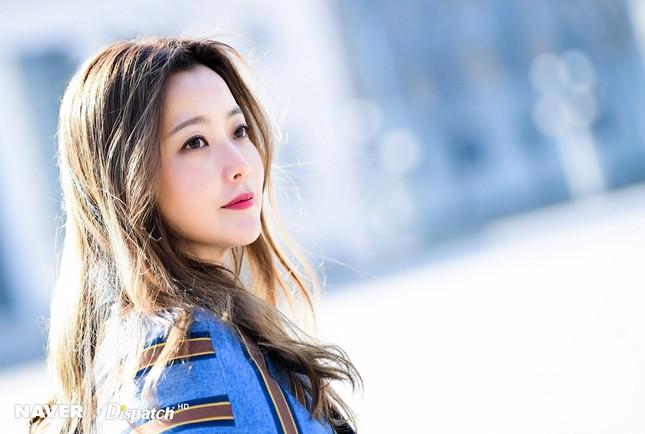 Kim Hee Sun trẻ đẹp ngỡ ngàng trên đất Ý ảnh 3