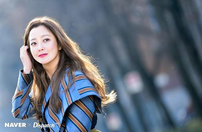 Kim Hee Sun trẻ đẹp ngỡ ngàng trên đất Ý ảnh 6