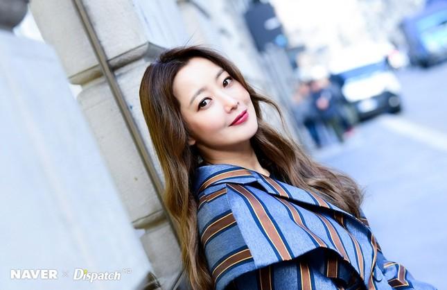 Kim Hee Sun trẻ đẹp ngỡ ngàng trên đất Ý ảnh 9