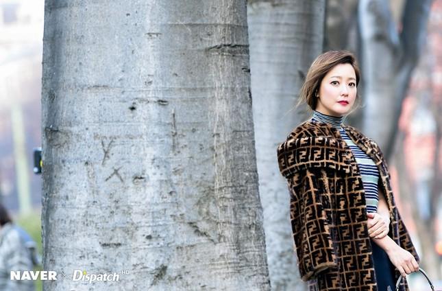 Kim Hee Sun trẻ đẹp ngỡ ngàng trên đất Ý ảnh 22