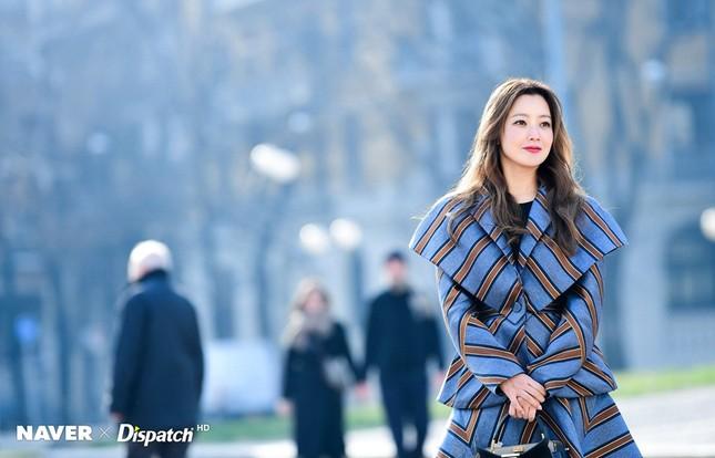 Kim Hee Sun trẻ đẹp ngỡ ngàng trên đất Ý ảnh 12