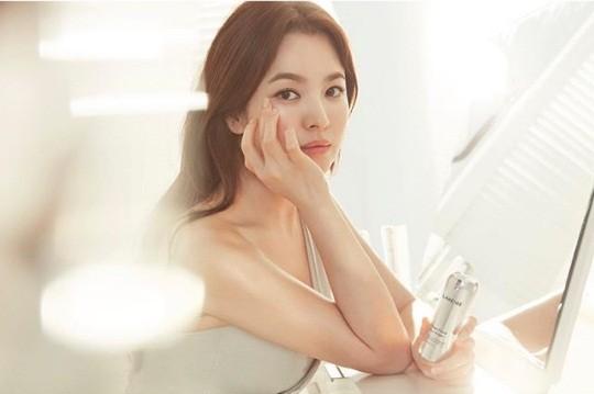 Song Hye Kyo gần tứ tuần vẫn mặn mà xuân sắc ảnh 10