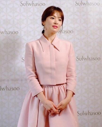 Song Hye Kyo gần tứ tuần vẫn mặn mà xuân sắc ảnh 4