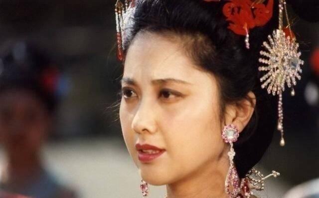 Nhan sắc 'Nữ vương Tây Lương nữ quốc' ngày ấy – bây giờ ảnh 3