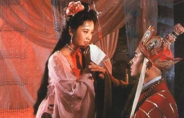 Nhan sắc 'Nữ vương Tây Lương nữ quốc' ngày ấy – bây giờ ảnh 4