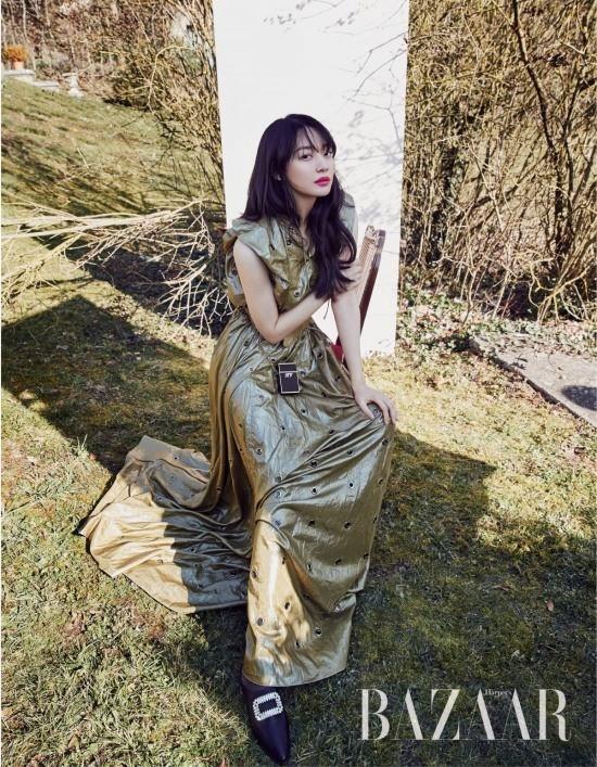 Dàn người đẹp Hàn Quốc rực rỡ đón nắng hè ảnh 19