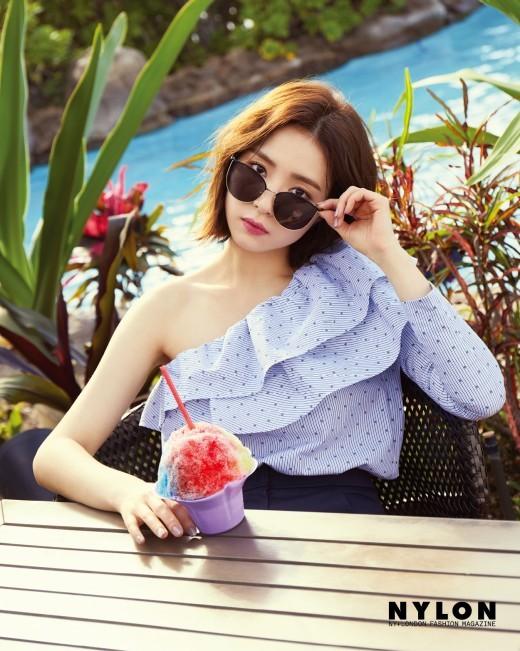 Dàn người đẹp Hàn Quốc rực rỡ đón nắng hè ảnh 28