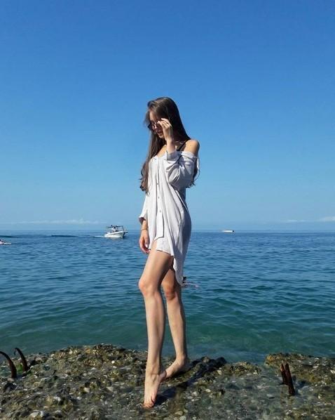 Rung động nhan sắc đời thường của Hoa hậu Nga 18 tuổi vừa đăng quang ảnh 7