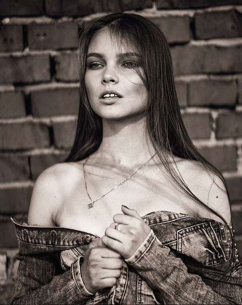 Rung động nhan sắc đời thường của Hoa hậu Nga 18 tuổi vừa đăng quang ảnh 18