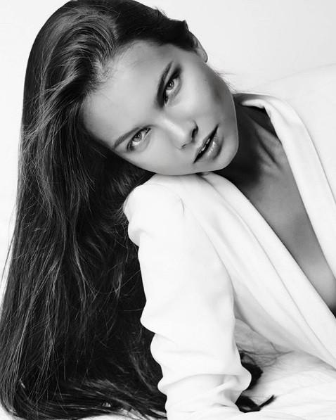 Rung động nhan sắc đời thường của Hoa hậu Nga 18 tuổi vừa đăng quang ảnh 17