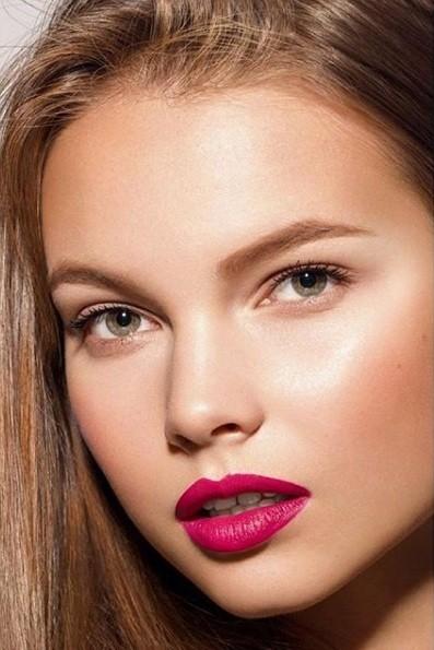 Rung động nhan sắc đời thường của Hoa hậu Nga 18 tuổi vừa đăng quang ảnh 12