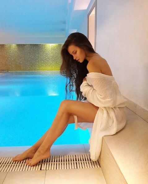 Rung động nhan sắc đời thường của Hoa hậu Nga 18 tuổi vừa đăng quang ảnh 10