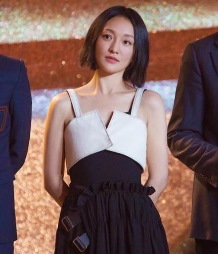 Hình ảnh tươi trẻ hiếm hoi của Châu Tấn sau tin đồn ly hôn ảnh 1