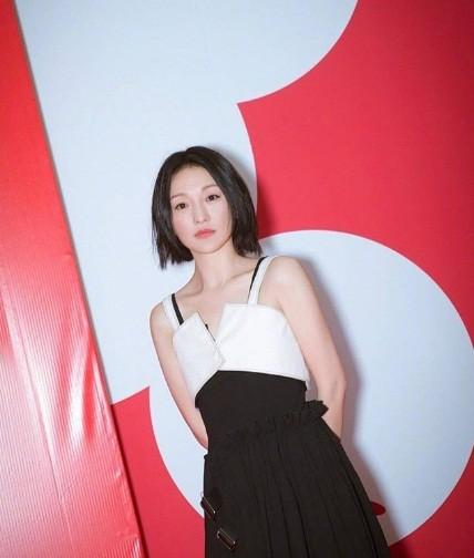 Hình ảnh tươi trẻ hiếm hoi của Châu Tấn sau tin đồn ly hôn ảnh 2