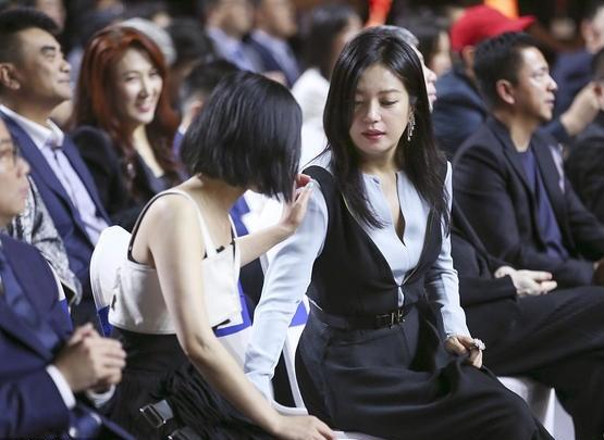 Hình ảnh tươi trẻ hiếm hoi của Châu Tấn sau tin đồn ly hôn ảnh 5