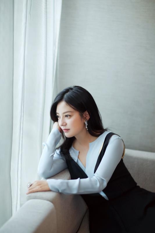 Hình ảnh tươi trẻ hiếm hoi của Châu Tấn sau tin đồn ly hôn ảnh 11