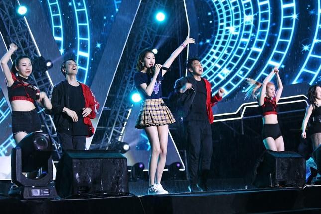 Người yêu mỹ nam Luhan nổi bật với đôi chân dài, dáng siêu mẫu ảnh 7