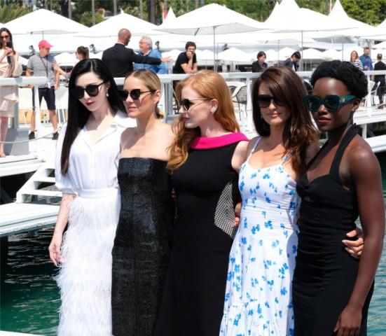 Phạm Băng Băng nổi bật với sắc đỏ - đen tại LHP Cannes ảnh 6