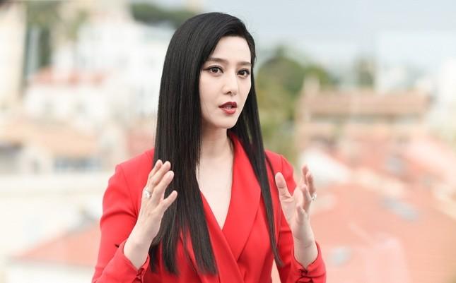 Phạm Băng Băng nổi bật với sắc đỏ - đen tại LHP Cannes ảnh 2