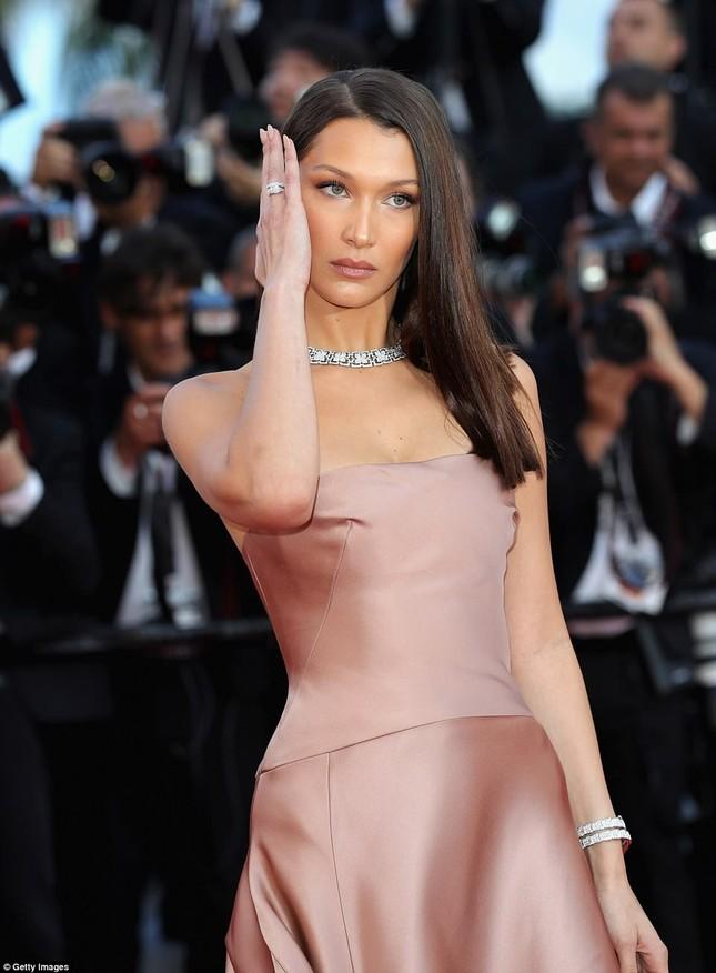 Dàn mỹ nhân gợi cảm nhất thảm đỏ Cannes ngày thứ 4 ảnh 16