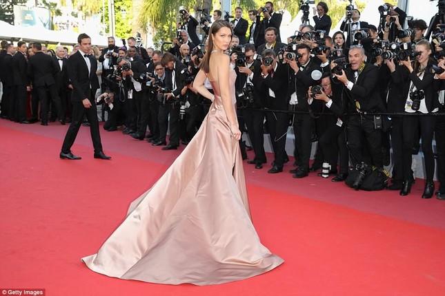 Dàn mỹ nhân gợi cảm nhất thảm đỏ Cannes ngày thứ 4 ảnh 17
