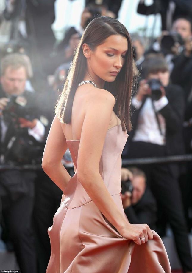 Dàn mỹ nhân gợi cảm nhất thảm đỏ Cannes ngày thứ 4 ảnh 15
