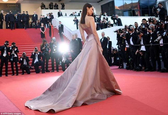 Dàn mỹ nhân gợi cảm nhất thảm đỏ Cannes ngày thứ 4 ảnh 19