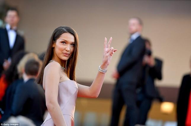 Dàn mỹ nhân gợi cảm nhất thảm đỏ Cannes ngày thứ 4 ảnh 20