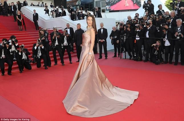 Dàn mỹ nhân gợi cảm nhất thảm đỏ Cannes ngày thứ 4 ảnh 21