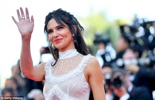 Dàn mỹ nhân gợi cảm nhất thảm đỏ Cannes ngày thứ 4 ảnh 8