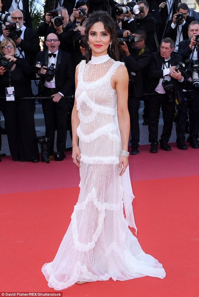 Dàn mỹ nhân gợi cảm nhất thảm đỏ Cannes ngày thứ 4 ảnh 10