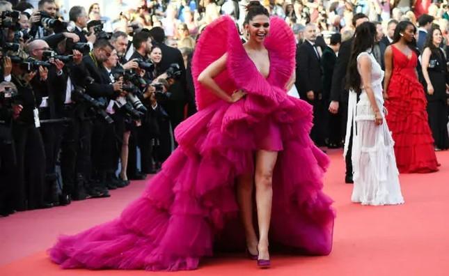 Dàn mỹ nhân gợi cảm nhất thảm đỏ Cannes ngày thứ 4 ảnh 2