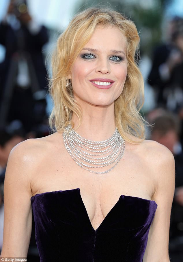 Dàn mỹ nhân gợi cảm nhất thảm đỏ Cannes ngày thứ 4 ảnh 11