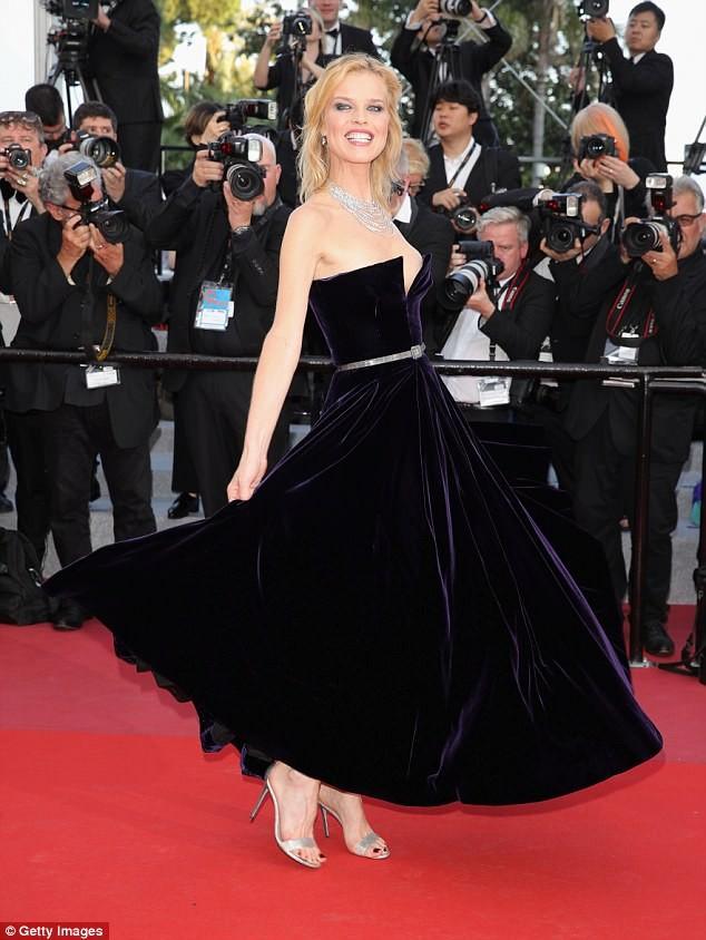 Dàn mỹ nhân gợi cảm nhất thảm đỏ Cannes ngày thứ 4 ảnh 12