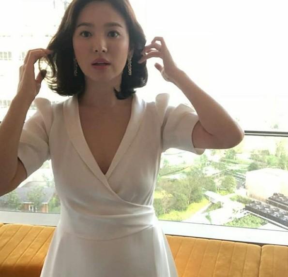 Song Hye Kyo duyên dáng nền nã ở Thượng Hải ảnh 4