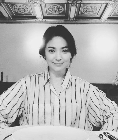 Song Hye Kyo duyên dáng nền nã ở Thượng Hải ảnh 14
