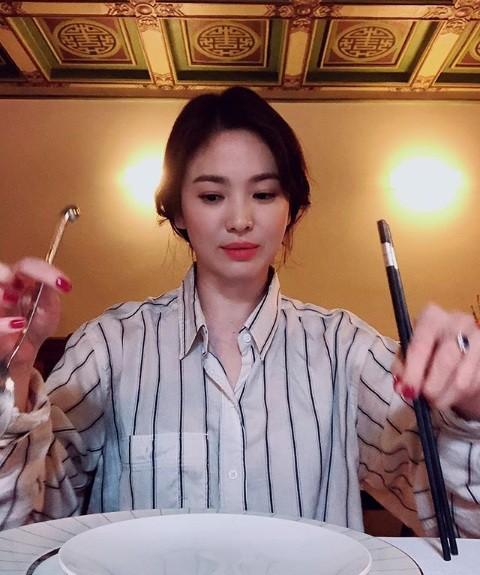 Song Hye Kyo duyên dáng nền nã ở Thượng Hải ảnh 15