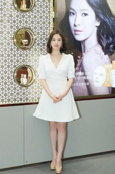 Song Hye Kyo duyên dáng nền nã ở Thượng Hải ảnh 8