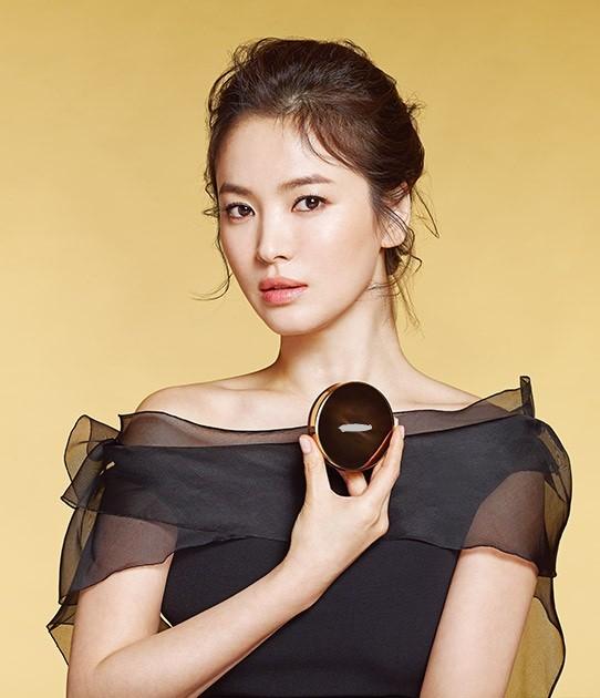 Song Hye Kyo duyên dáng nền nã ở Thượng Hải ảnh 13